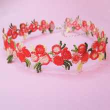 Load image into Gallery viewer, Vintage Flower Choker