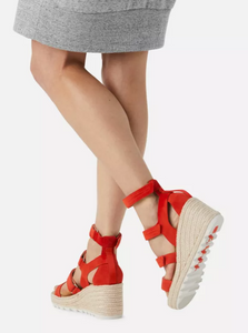 Cameron Wedge Multi Strap in Signal Red