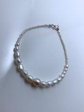 Load image into Gallery viewer, Sweet Pearl Bracelet