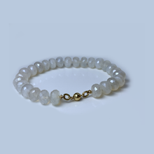 Load image into Gallery viewer, Pearl Chalcedony Bracelet