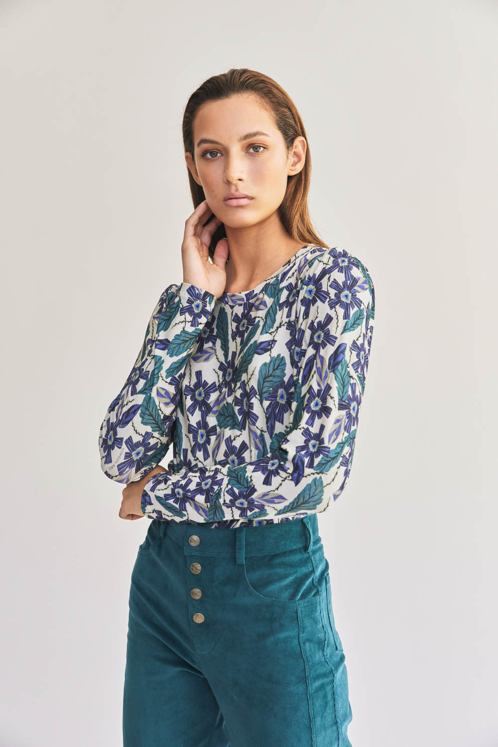 POLERA NIGHT FLOWERS