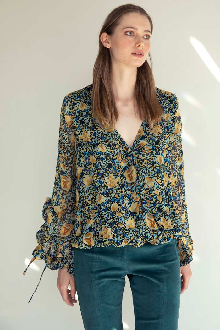 BLUSA PAINTED FLOWERS