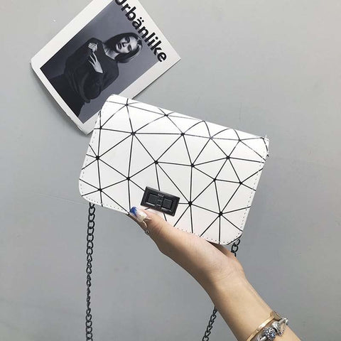 Women Fashionable Shoulder Bags 2019 New Korean Version of The Messenger Bag Handbag Chain Wild Crack Printing Wild Shoulder Bag