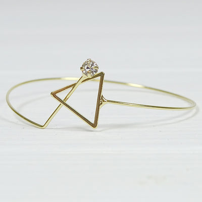 Makena Bangle w Triangle Clasp gold