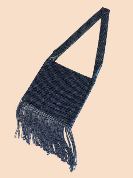 A product picture of the Marmaclub Crossover Fringe bag in color Antracit (shiny dark gray)