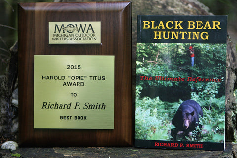 AWARD WINNING - Black Bear Hunting by Richard P Smith 2nd Edition