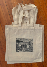 Load image into Gallery viewer, En Su Boca Tote Bag