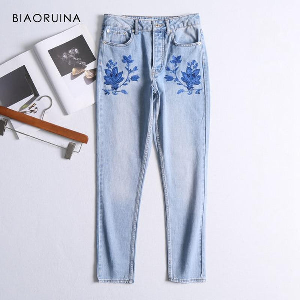 Women Chic Embroidery Floral Denim Jeans Female Vintage Washing Bleached Straight Jeans High Waist Fashion Jeans