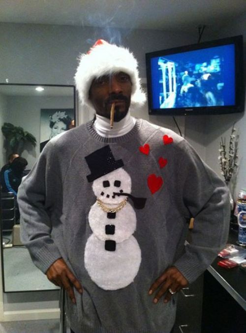 Snoop Dogg in a Christmas sweater