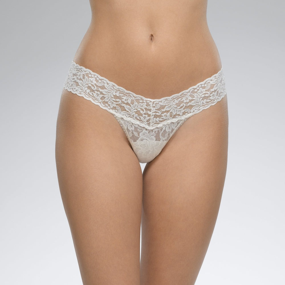 Hanky Panky Ivory Signature Lace Low Rise Thong
