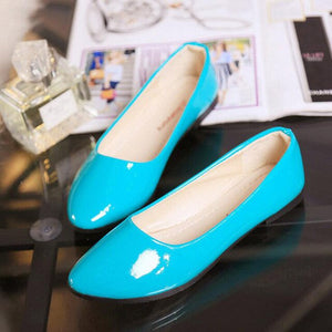Open image in slideshow, Pointed Patent Leather Flats