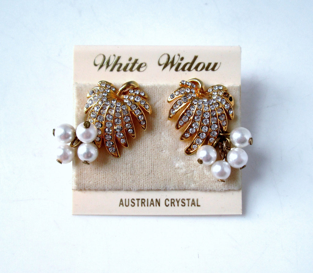 Vintage Earrings Gold-tone Leaf Rhinestone Pearl Screw Back Clip on