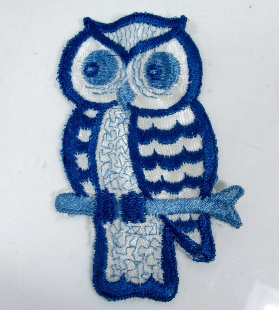 Large Vintage Embroidered Owl Sew On Patch Shades of Blue