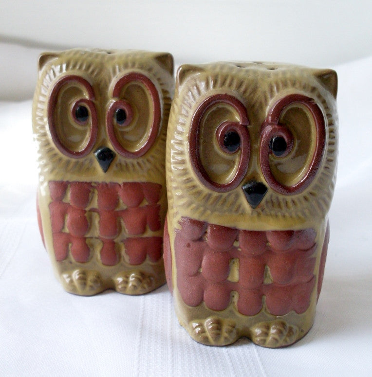 Vintage Owl Salt and Pepper Shakers Terracotta New Trends Inc