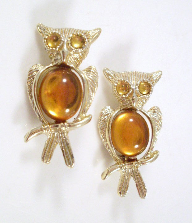 Vintage Owl Brooch Amber Cabochon Chest Gold-tone