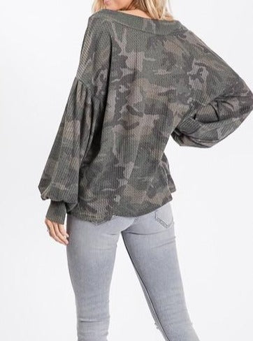 Load image into Gallery viewer, Sophie Camo Top
