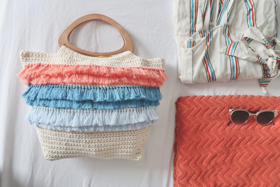 Crochet Tassel Summer Bag - A Free Pattern
