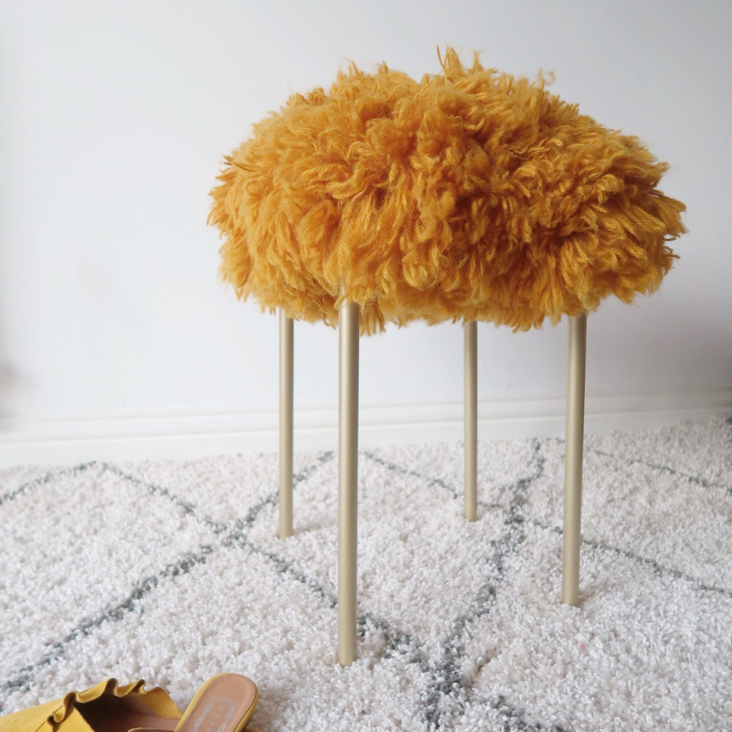 Powder Room Stool Crochet Pattern