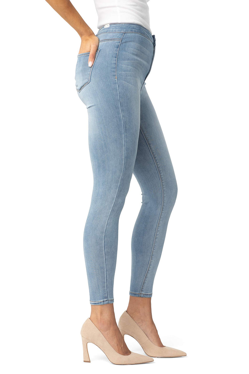 Women's Juniors Super High Rise Skinny Jean - Almost Famous Clothing