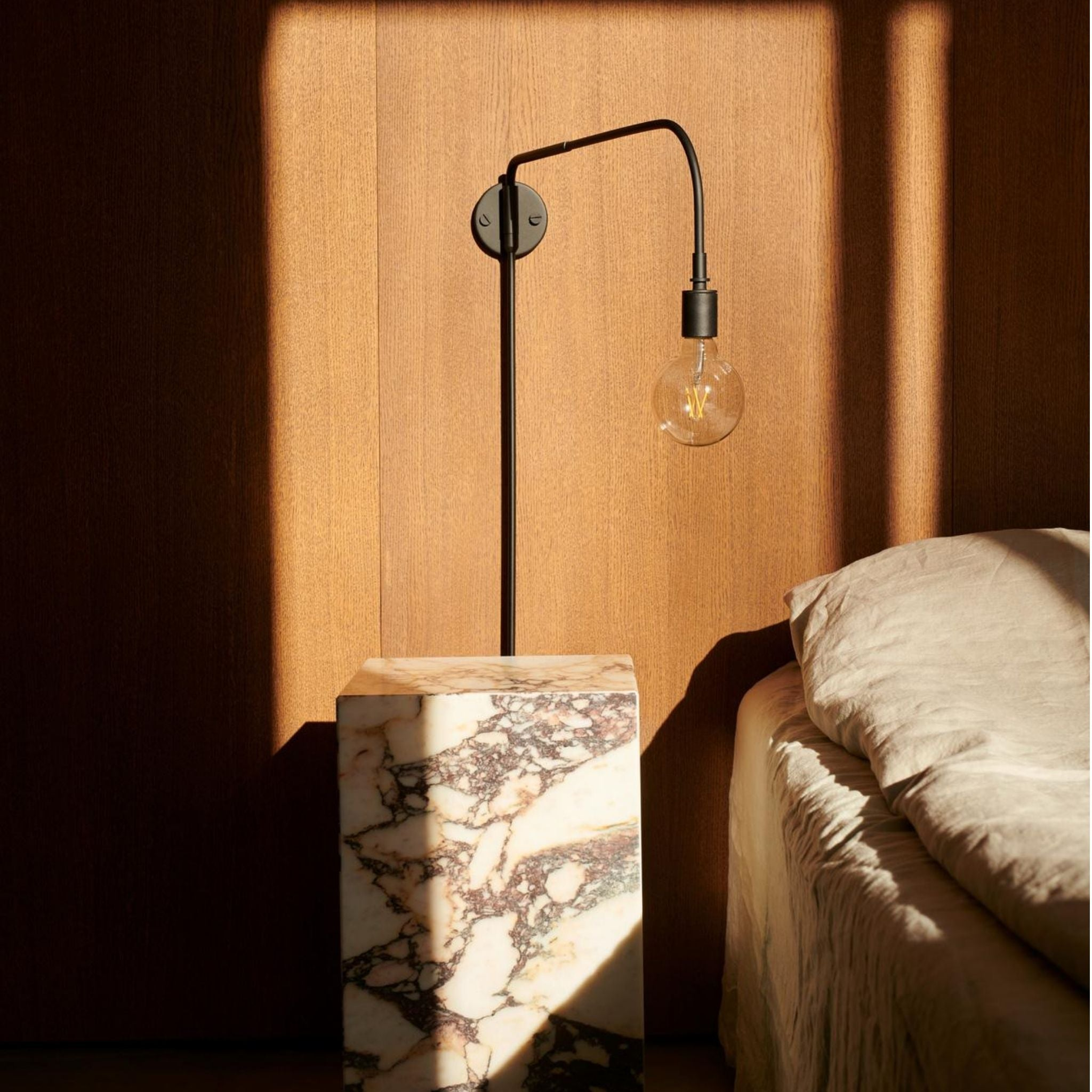 Staple Wall Lamp