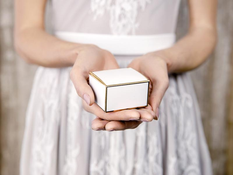 Gold & White Favour Boxes (10 pack)