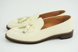 Load image into Gallery viewer, MIYAGIKOGYO FOR  WOMEN / MKFW-004 / タッセルスリッポン / col,WHITE.SUEDE / 宮城興業㈱製