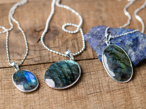 Oval Faceted Labradorite Shimmer Necklace