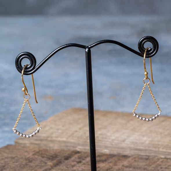 Chain Drop Curved Triangle Earrings