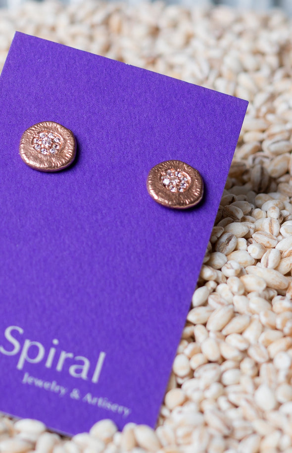 Roundish Sparkle Earrings