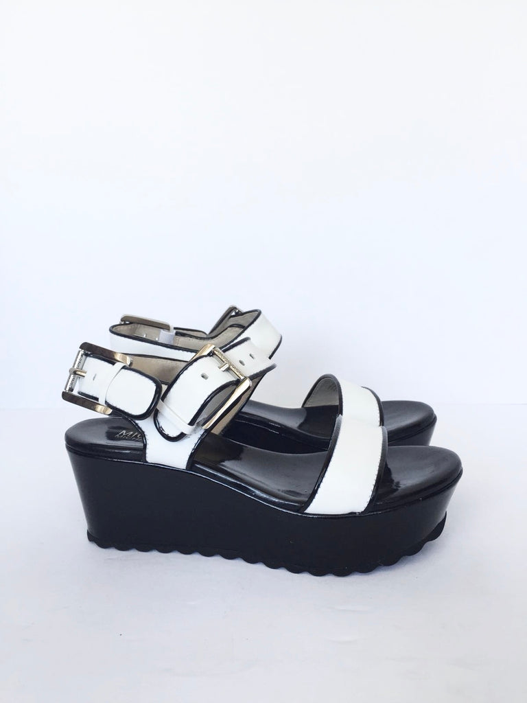 New Michael Kors Black & White Creeper Platform Sandals Size 5