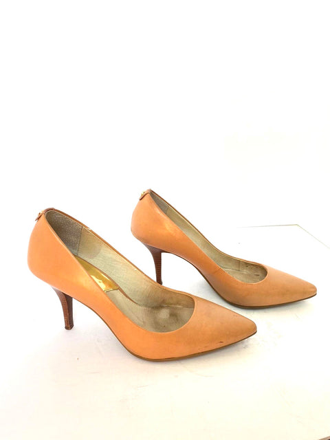 Michael Kors Nude Pointed Toe Pump Size 8