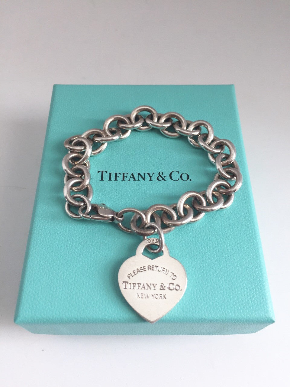 "Tiffany & Co "" Return To Tiffany"" Sterling Silver Heart Tag Chain bracelet"
