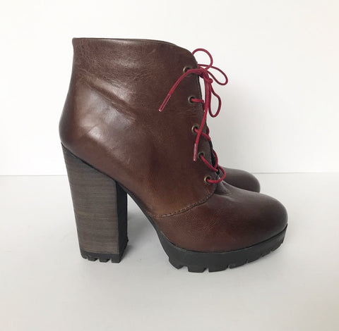 "Steve Madden ""Ricca"" Brown Lace Up Ankle Boots Size 6.5"