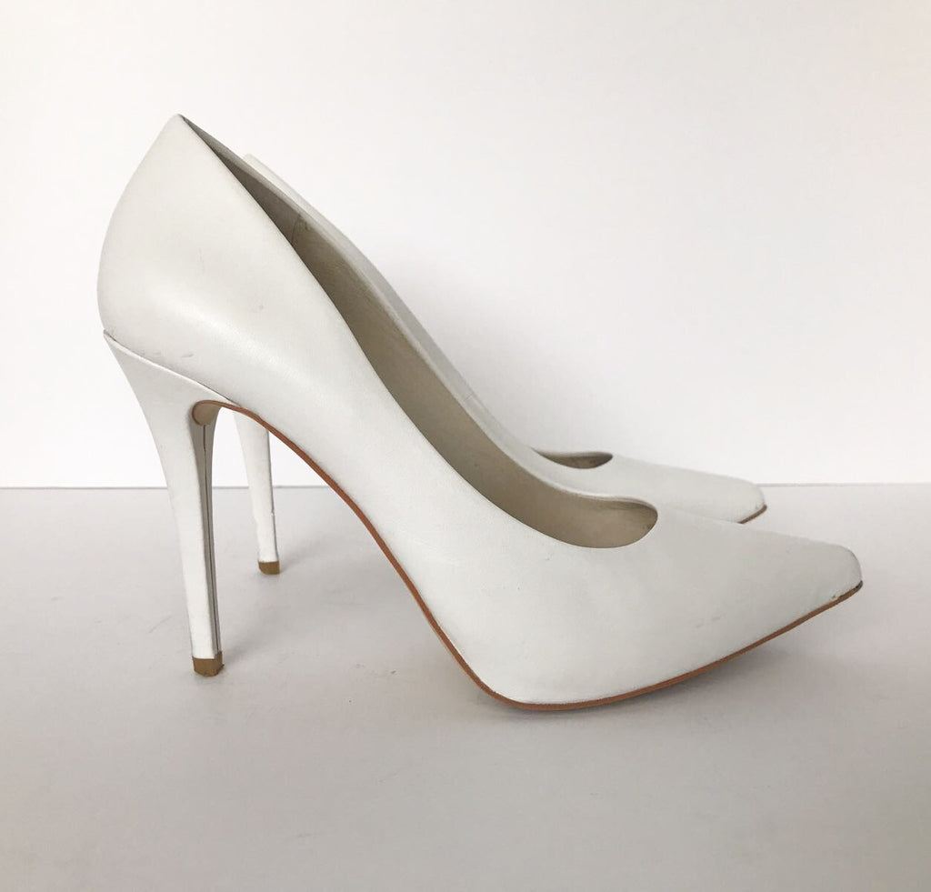 Michael Kors Joselle White Pointed Toe Pump Size 6.5