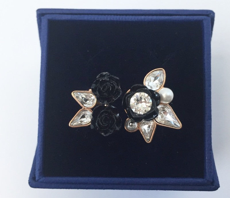 Brand New Swarovski Black Resin Bouquet Ring Size 6 5074661