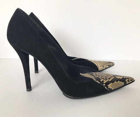 Stuart Weitzman Black & Cream Pointed Toe Pump Size 7.5