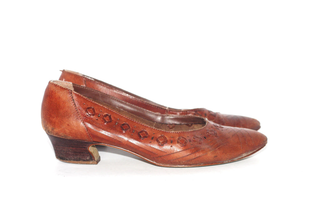 Vintage West Avenue Brown Leather Kitten Heel Pump - Joyce's Closet  - 1