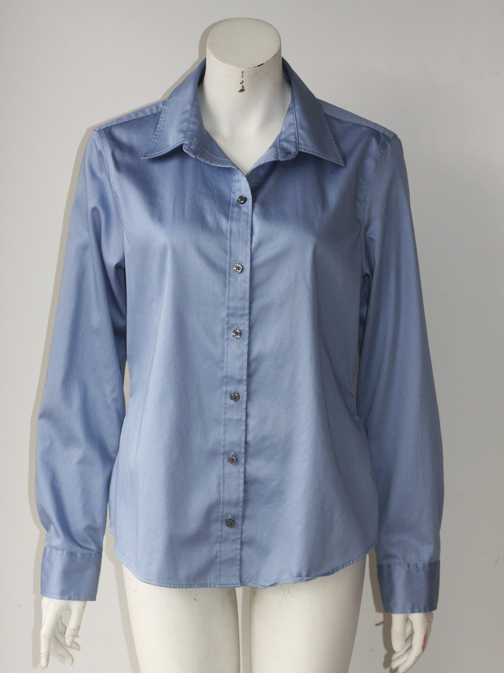 Banana Republic Blue Long Sleeve Button Up Shirt - Joyce's Closet  - 1