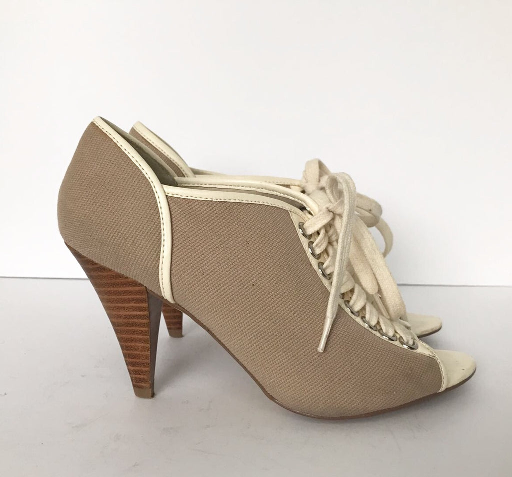 Aldo Taupe & Cream Lace Up Heels Size 5