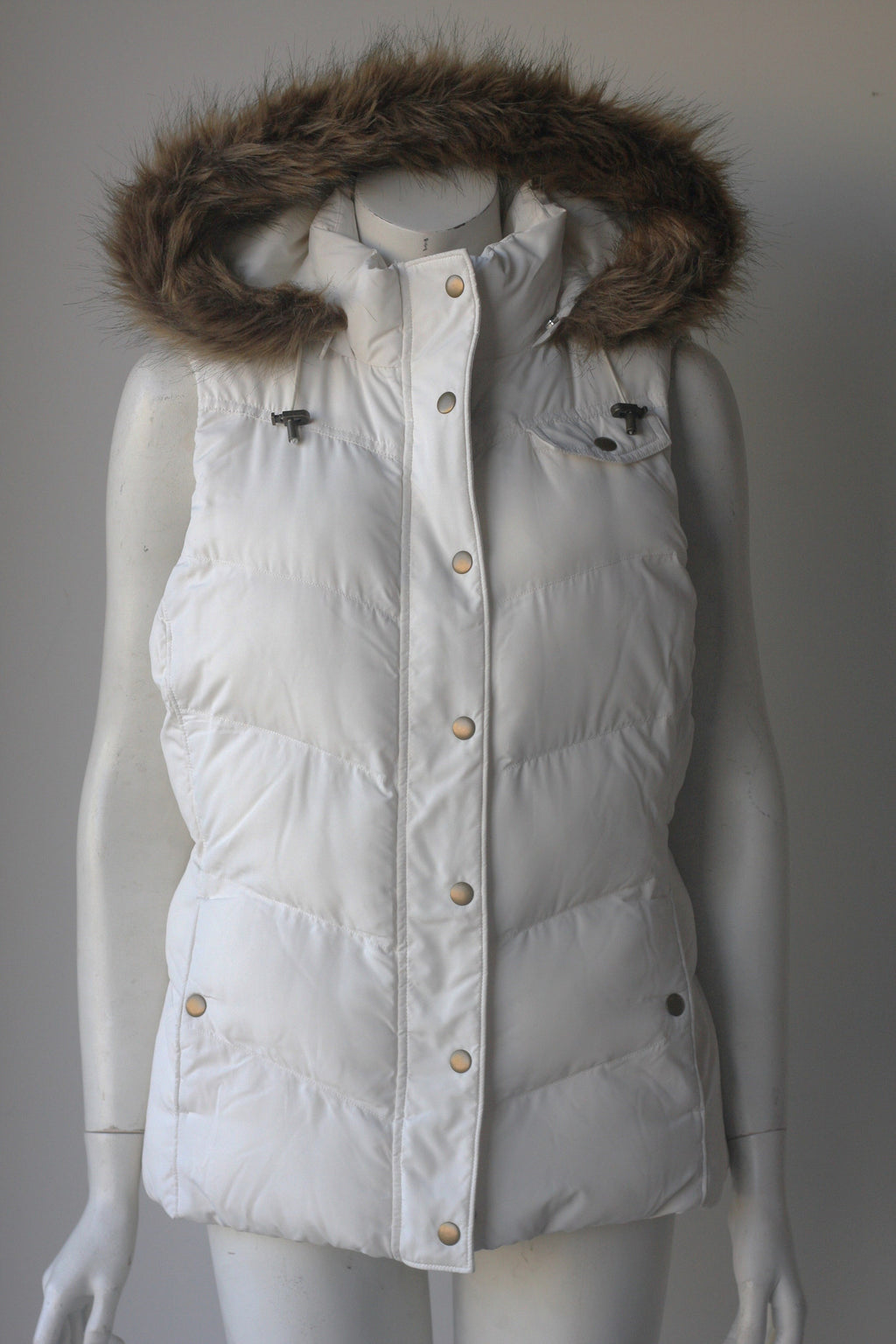 Brand New Banana Republic White Hooded Faux Fur Puffer Vest - Joyce's Closet  - 1