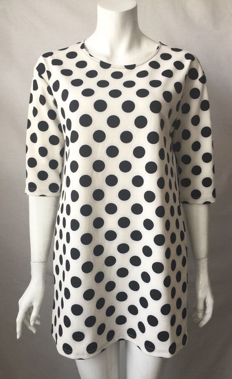 Coveted B & W Polka Dot Shift Dress Size M