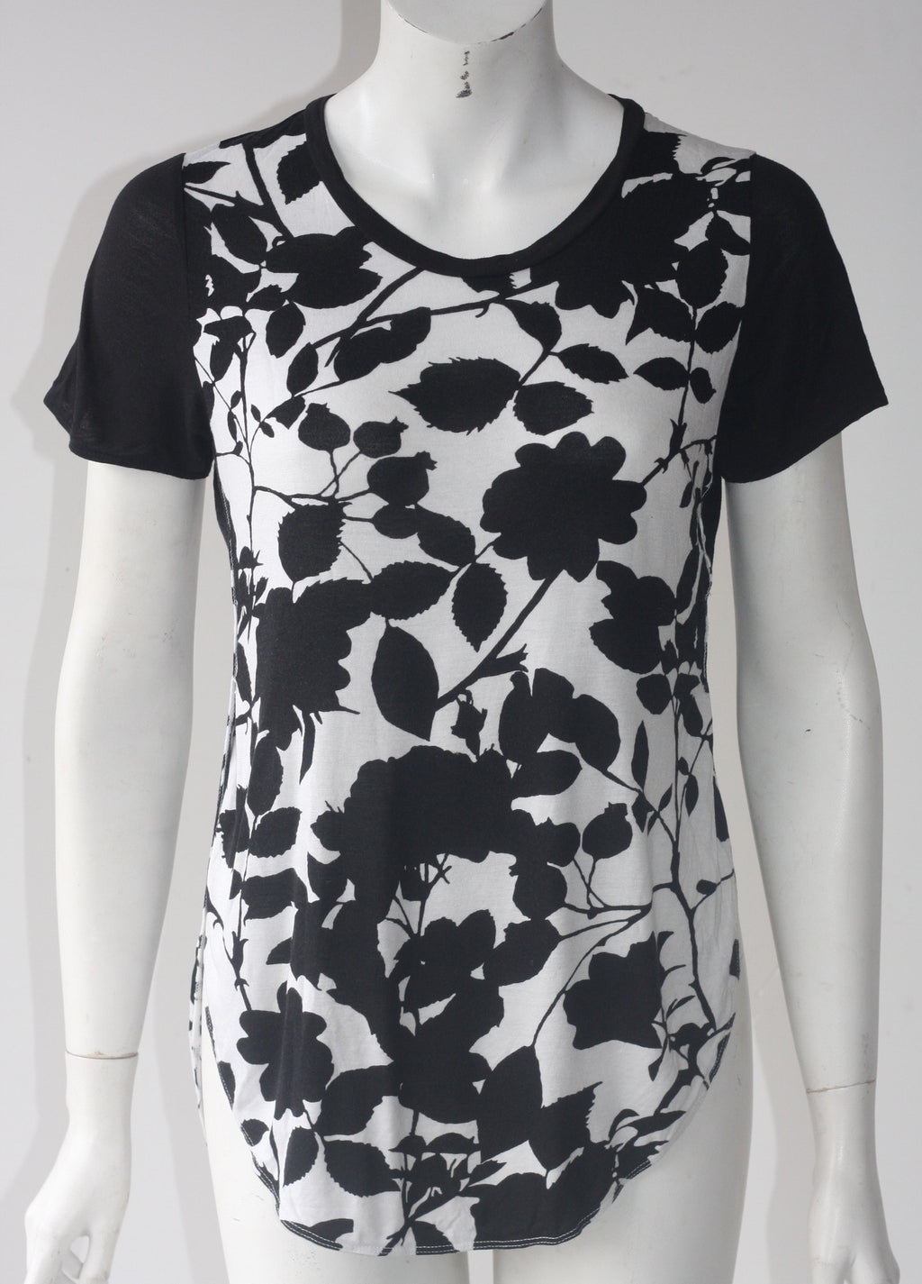 Wilfred Capucine Black & White Floral Print T Shirt - Joyce's Closet  - 1
