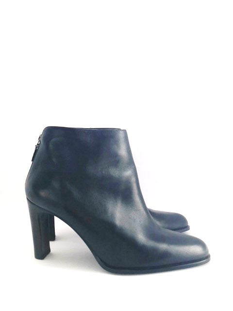Apostrophe Black Ankle Booties Size 9.5