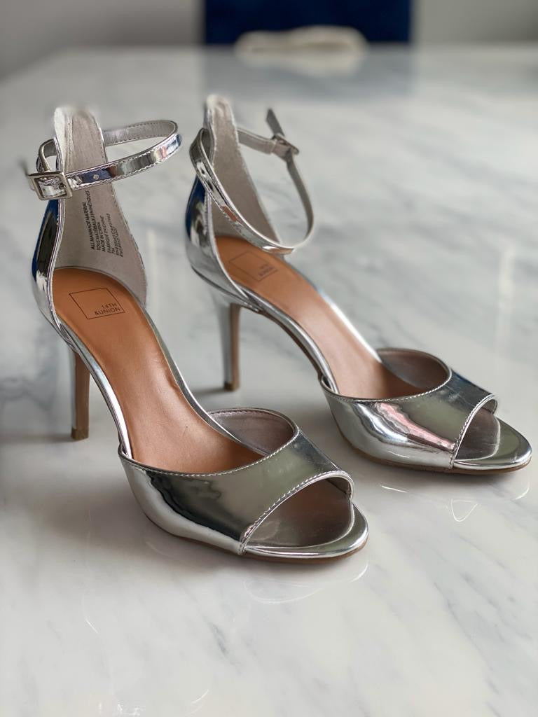 14th & Union Silver Heels Size 7.5