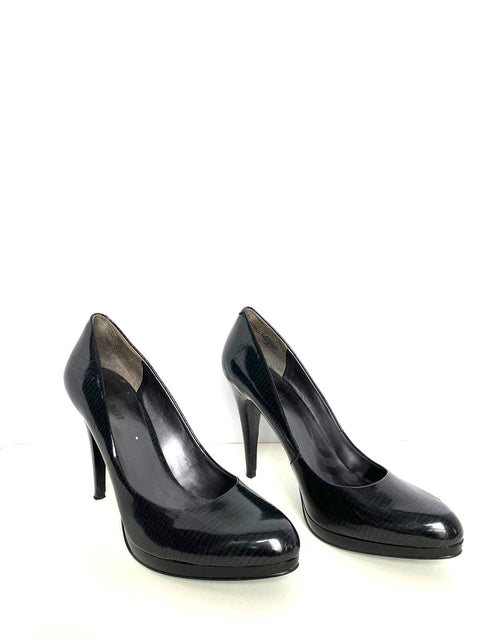 Nine West Black Round Toe Patent Leather Pump Size 10
