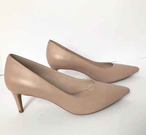 Nine West Pointed Nude Pump Size 6M