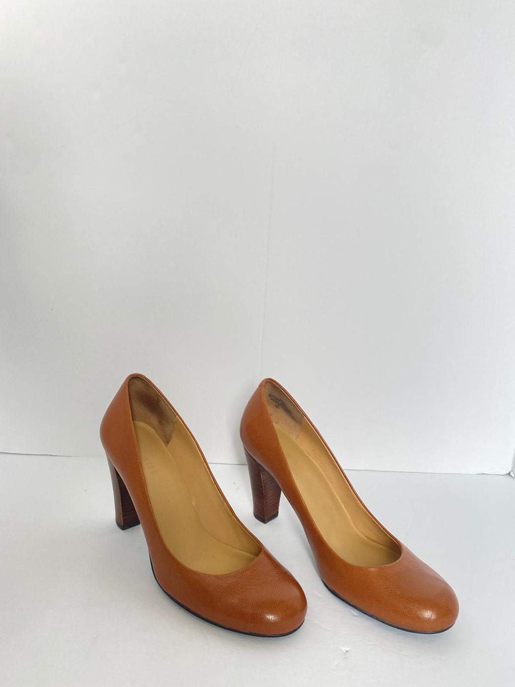 Nine West Brown Leather Round Toe Pump Size 6M