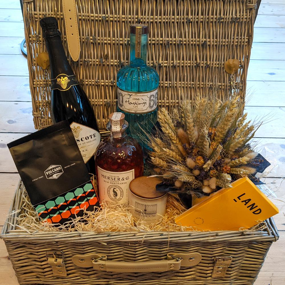 Bespoke Hastings 1066 Gin Collection Hamper - The Cove