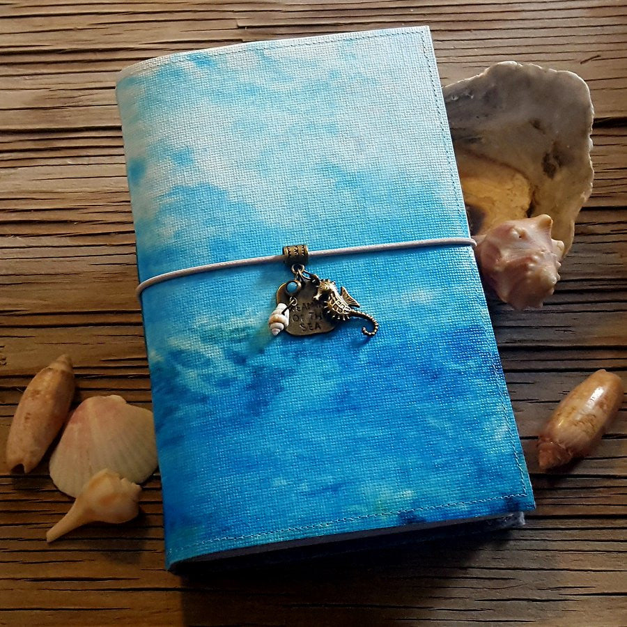 dreaming of the seajournal with seahorse and seashells - tremundo