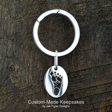 Load image into Gallery viewer, Oval Footprint Keychain